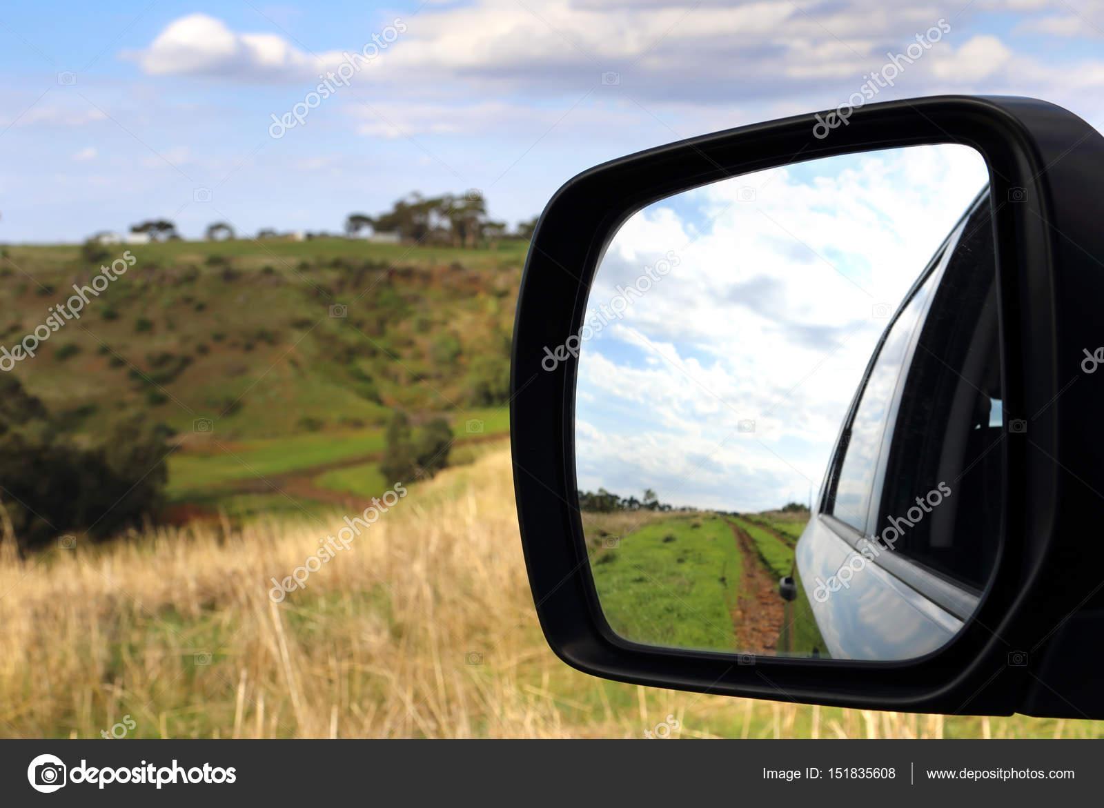 Resultado de imagen de espejo en el camino en la carretera