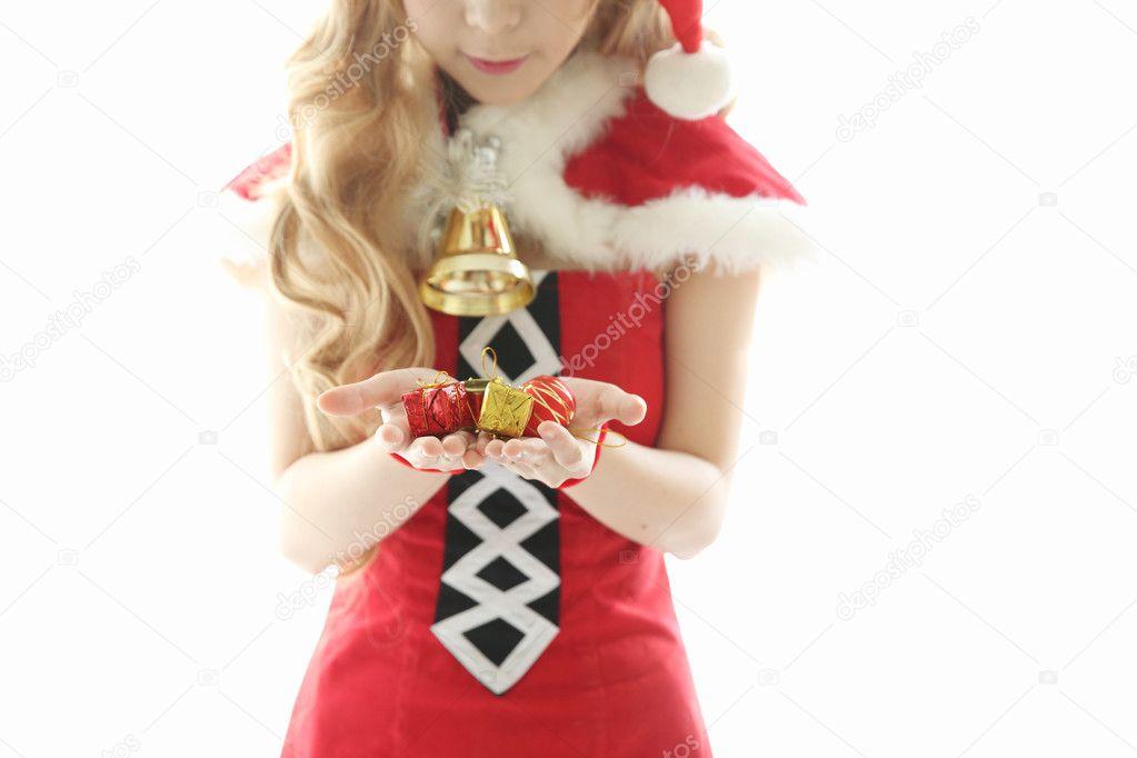 Weihnachten-Asiatin-Porträt mit Weihnachtsgeschenk — Stockfoto ...