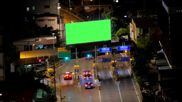 Prázdné reklamní billboard na platební prostor před do expressway, časová prodleva