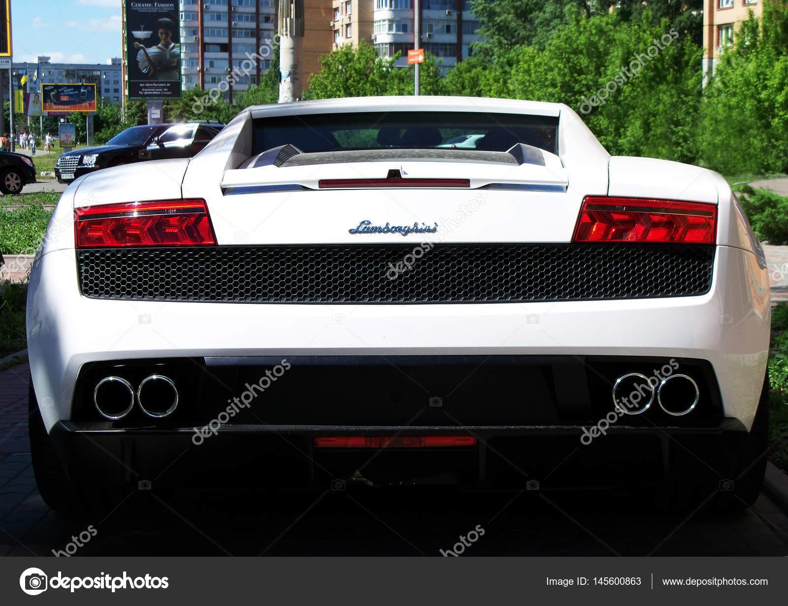 Kiev Ukraine April 10 2014 Lamborghini Gallardo Lp560 4 White