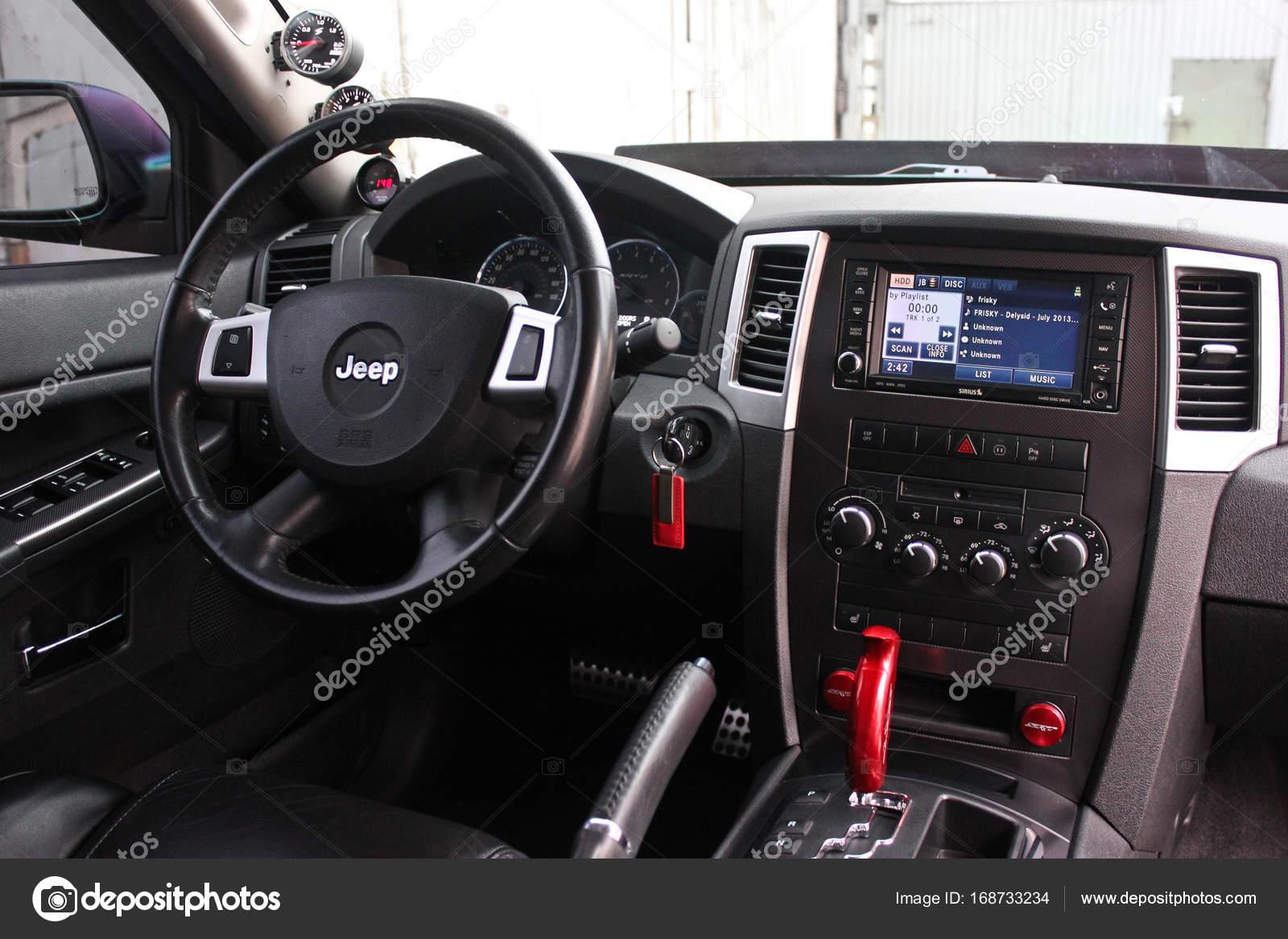 4. September 2012, Kiew. Jeep Grand Cherokee Srt8. Auto Innenraum ...