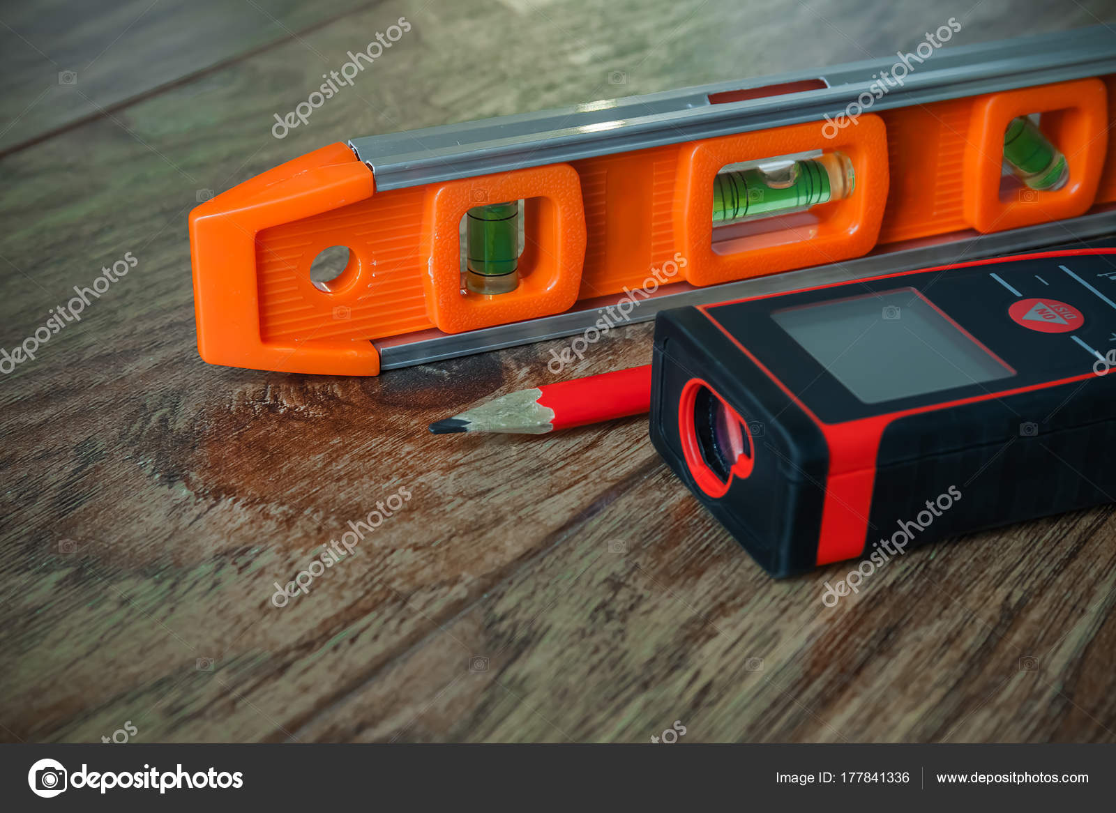 Laser Entfernungsmesser Usb : Optischen ebene laser entfernungsmesser und einem bleistift auf dem