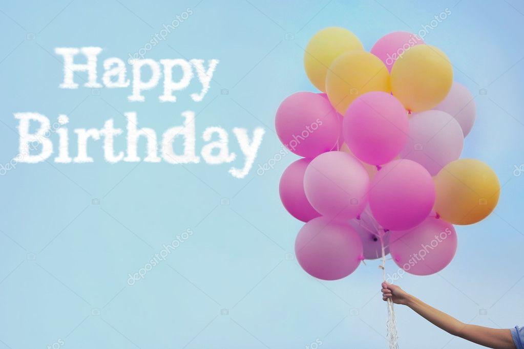 Fabulous Gelukkige verjaardag tekst en vrouw hand met lucht ballonnen op  RH63