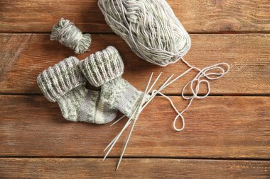 Knitting wool and knitting needles
