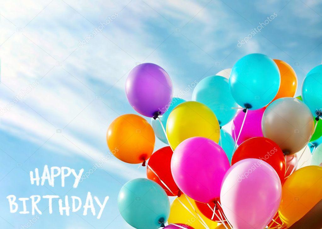 Bekend Gelukkige verjaardag tekst en kleurrijke ballonnen op de blauwe  PI32