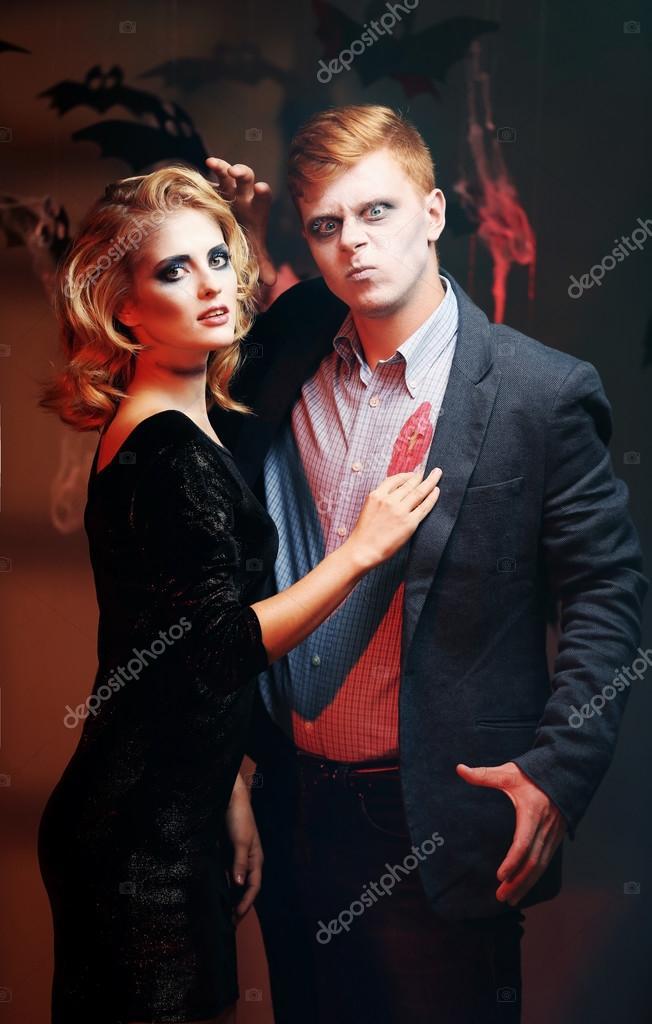Junge Menschen verkleidet als toter Mann und Frau für Halloween ...