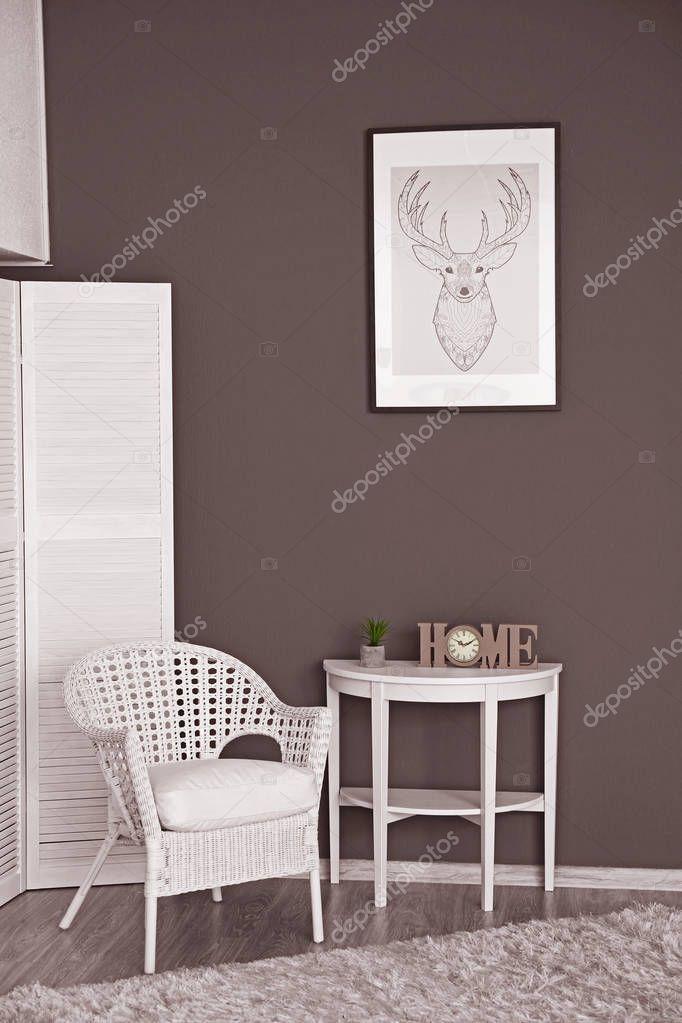 https://st3.depositphotos.com/1177973/12910/i/950/depositphotos_129105264-stockafbeelding-interieur-van-kamer-in-de.jpg