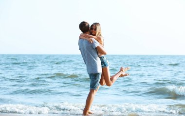 couple on sea background
