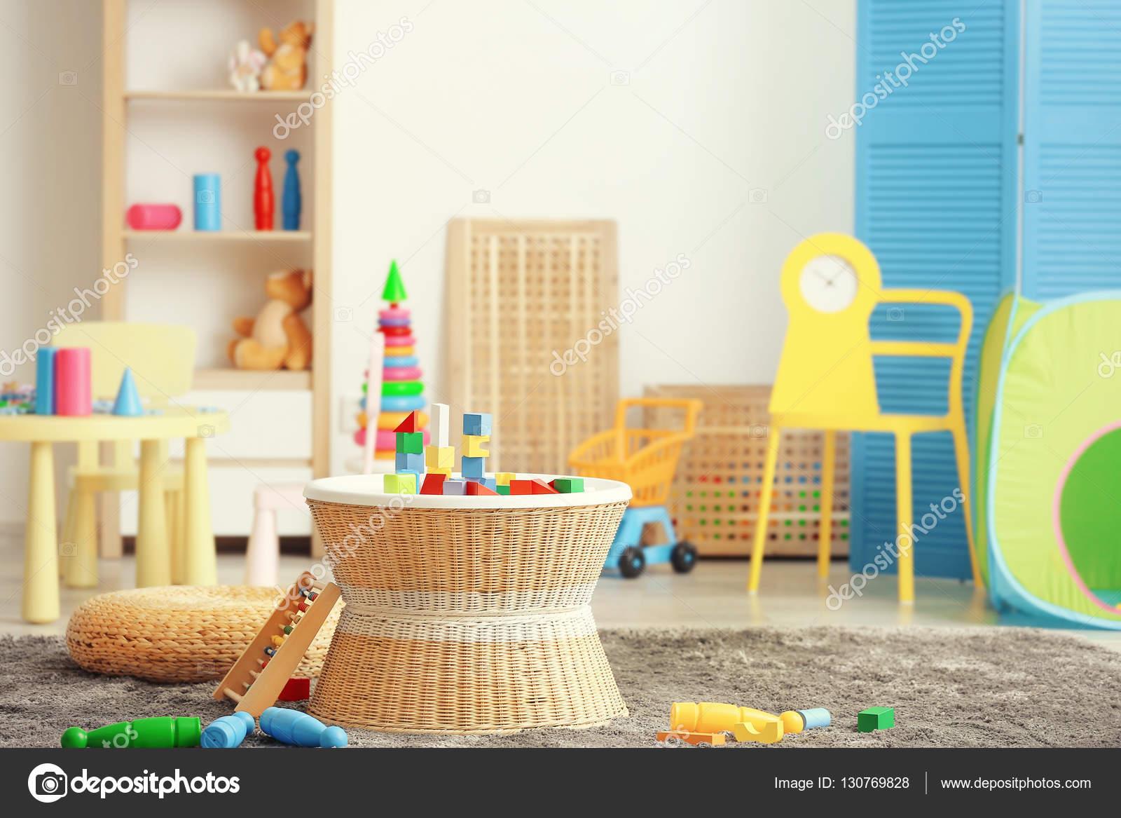 sala de juego colorido para nios Fotos de Stock belchonock