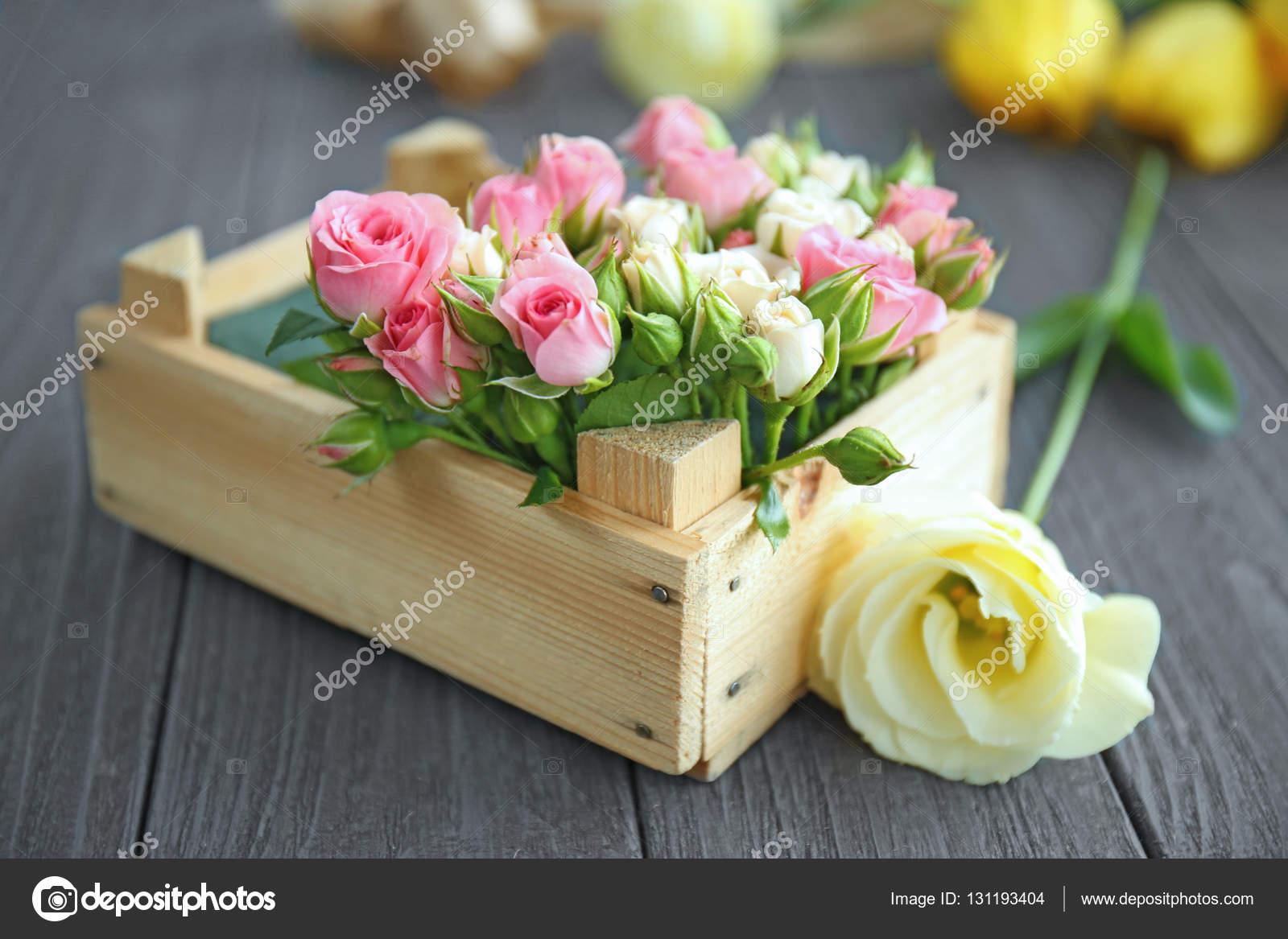 Composition De La Belle Fleur En Boite Photographie Belchonock