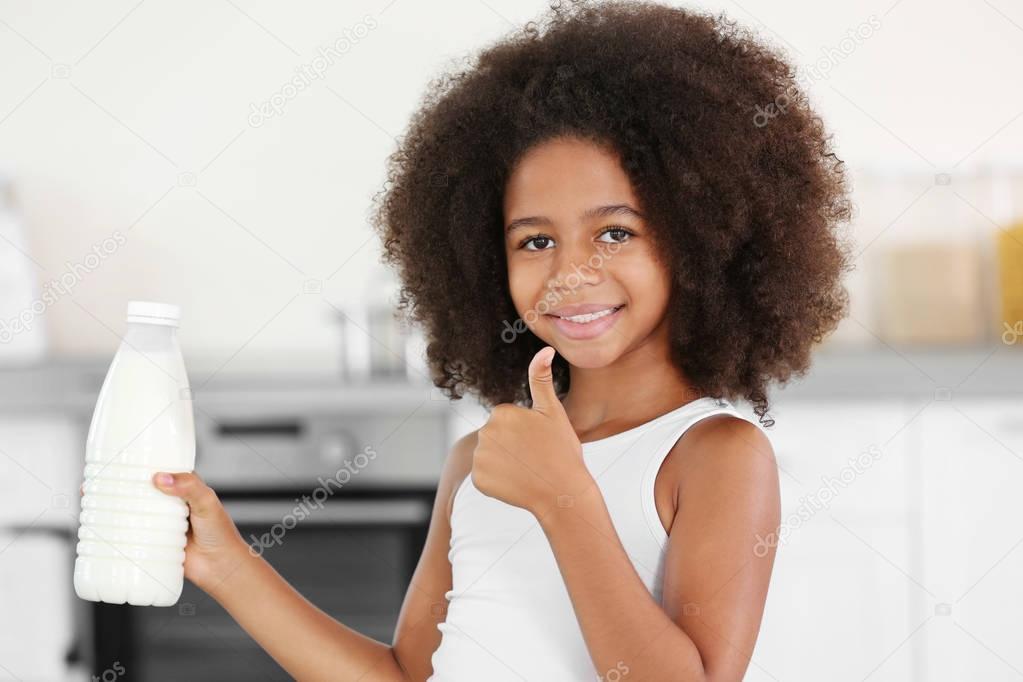 巻き毛のアフリカ系アメリカ人少女 — ストック画像