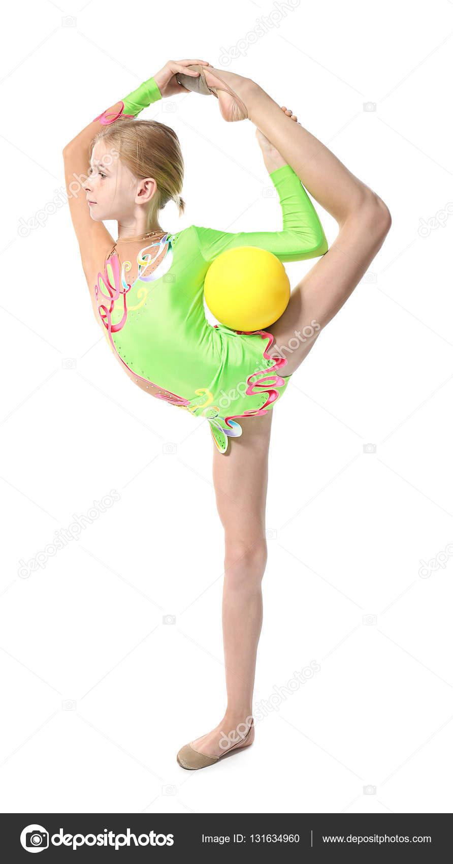 Junges m dchen turnen mit ball isoliert auf weiss stockfoto belchonock 131634960 - Turnen mit kissen ...