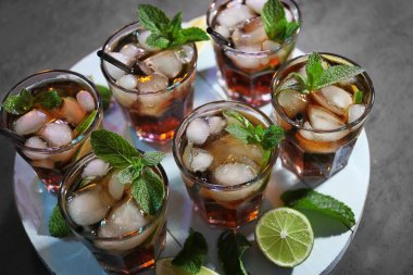 Glasses of cocktail with ice