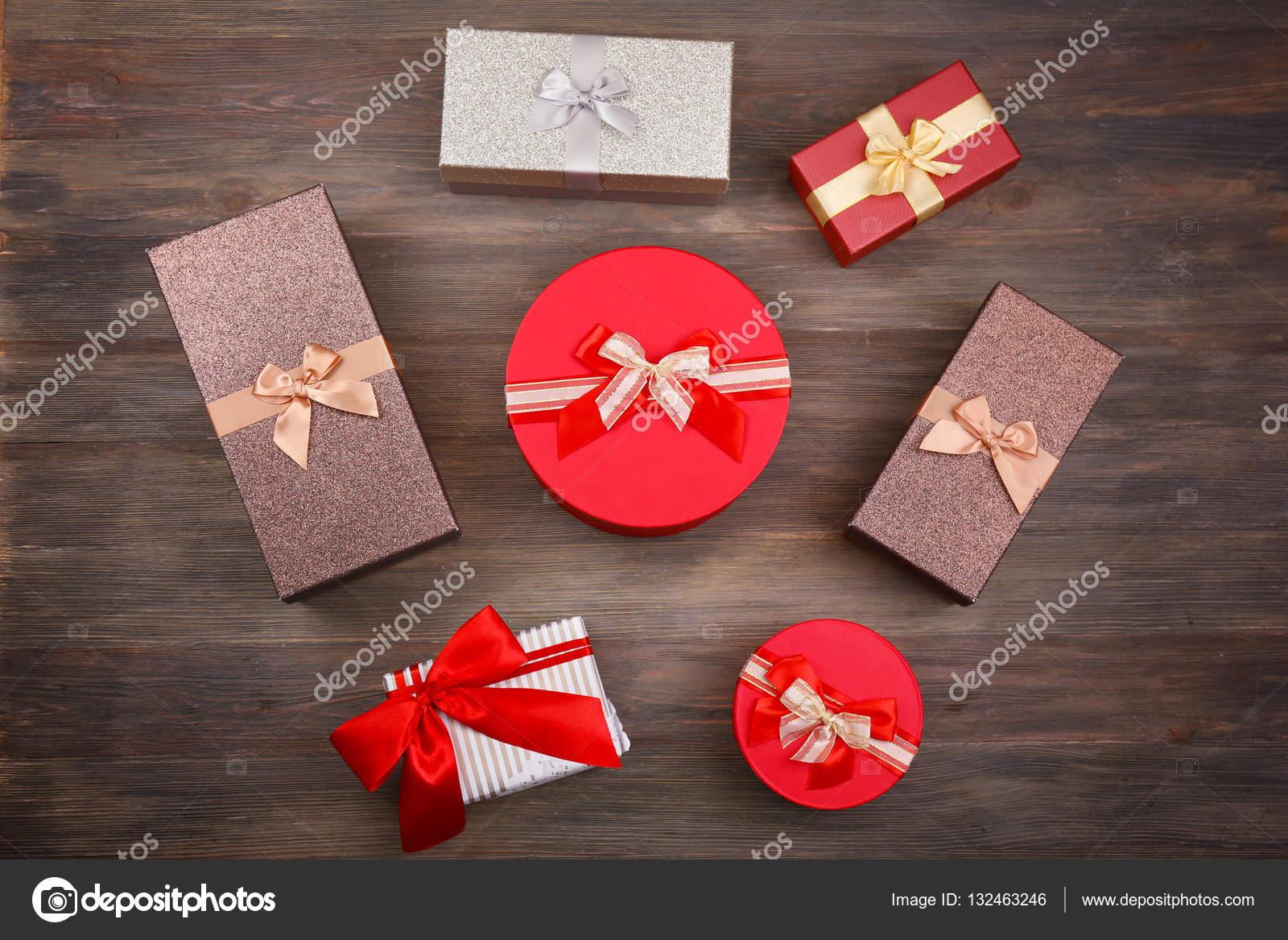 Schöne Weihnachtsgeschenke.Schöne Weihnachtsgeschenke Stockfoto Belchonock 132463246