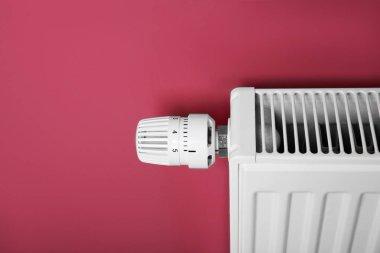 Heating radiator with temperature regulator