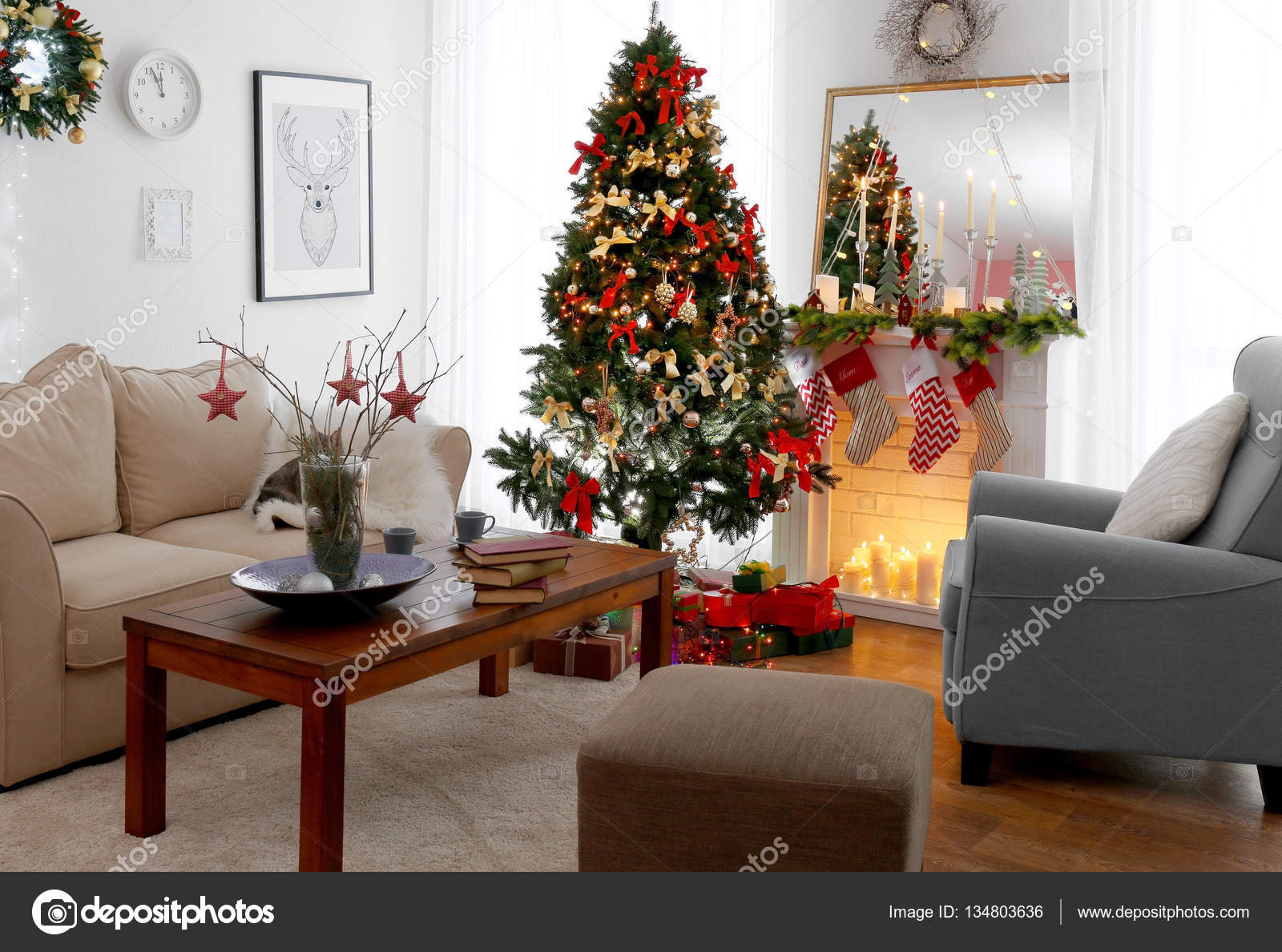 Interieur van de prachtige woonkamer — Stockfoto © belchonock #134803636