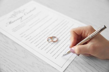 Signing marriage contract