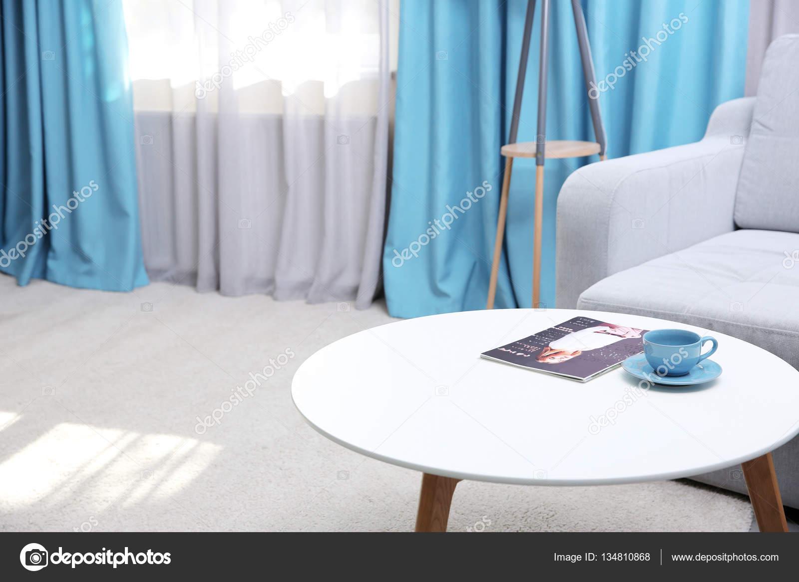 Living comedor con cortinas modernas — Foto de stock ...