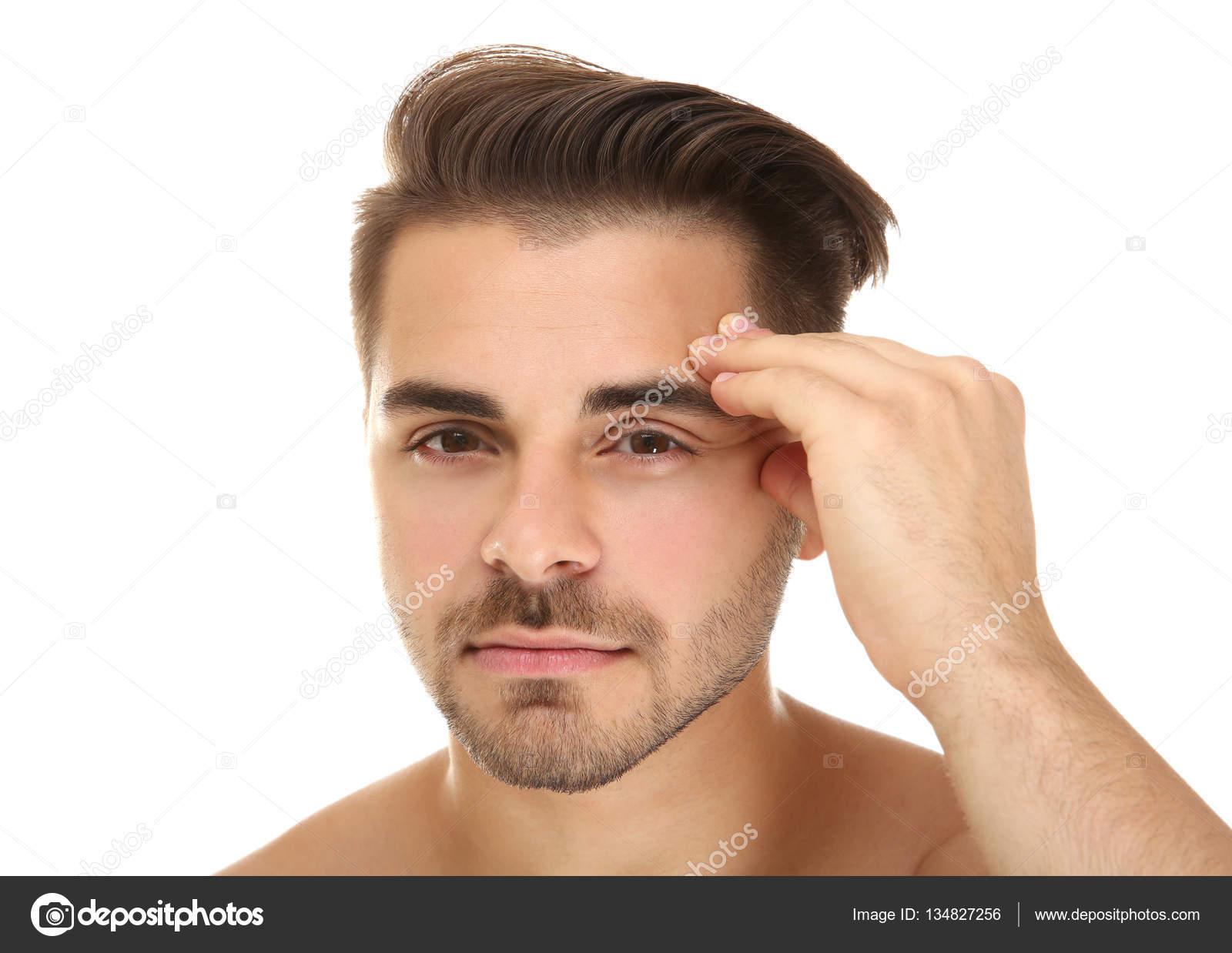 Hombre Guapo Examinar Cara