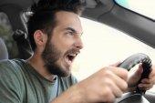 Photo young man driving car