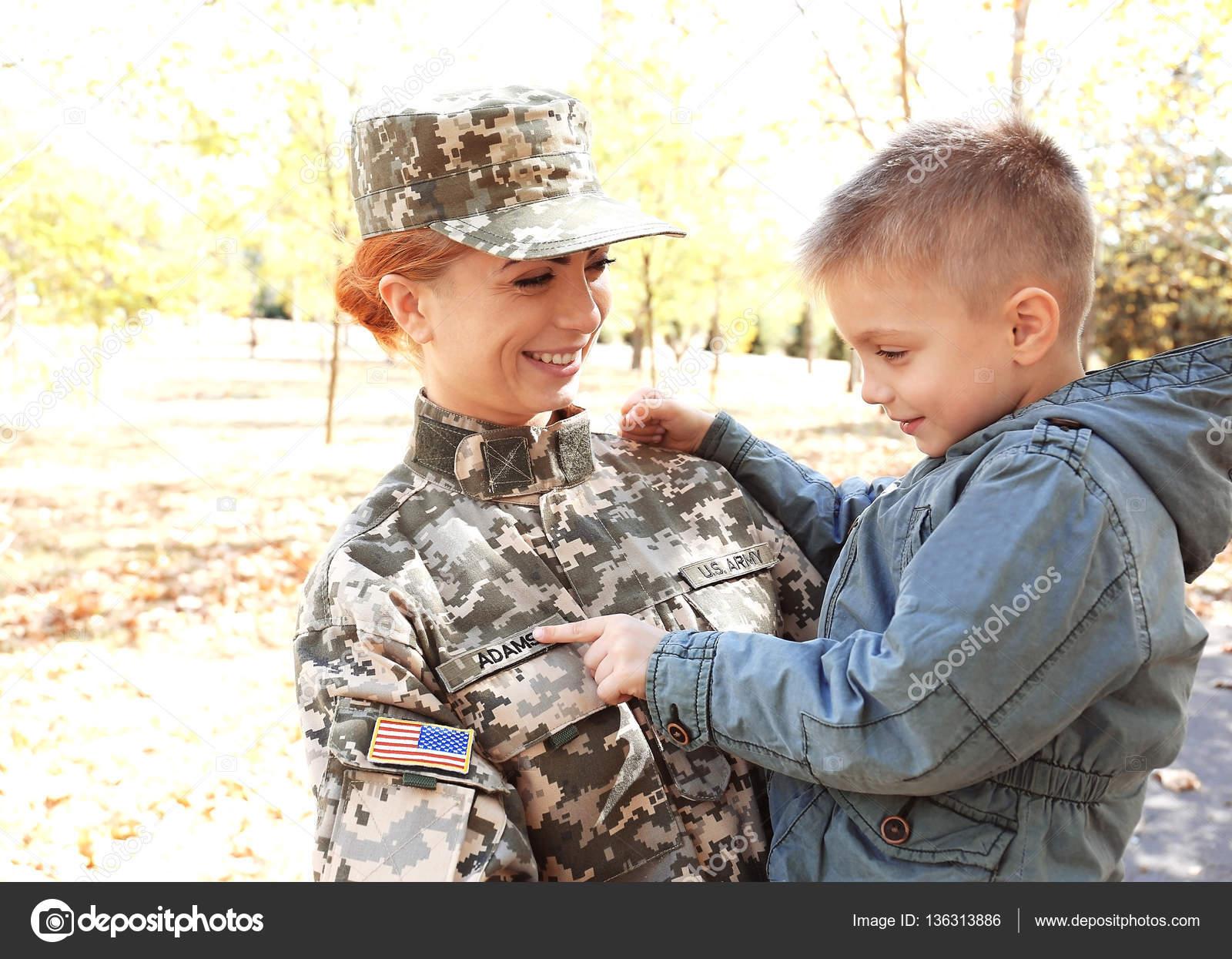покраснения между пальцами рук у ребенка фото