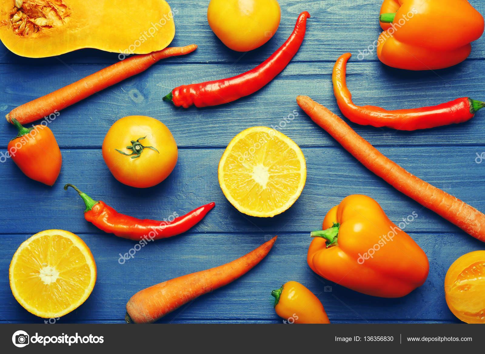 Farbe Orange Früchte und Gemüse — Stockfoto © belchonock #136356830