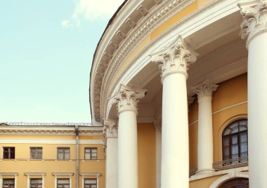 building in neoclassical style