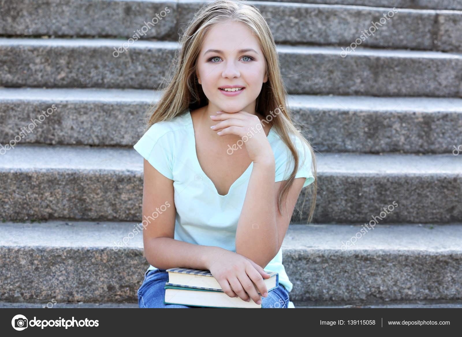 tonåring flicka nu