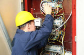 Elektrikář, připojení vodičů v rozvaděči