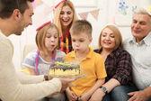 Rodina slaví narozeniny