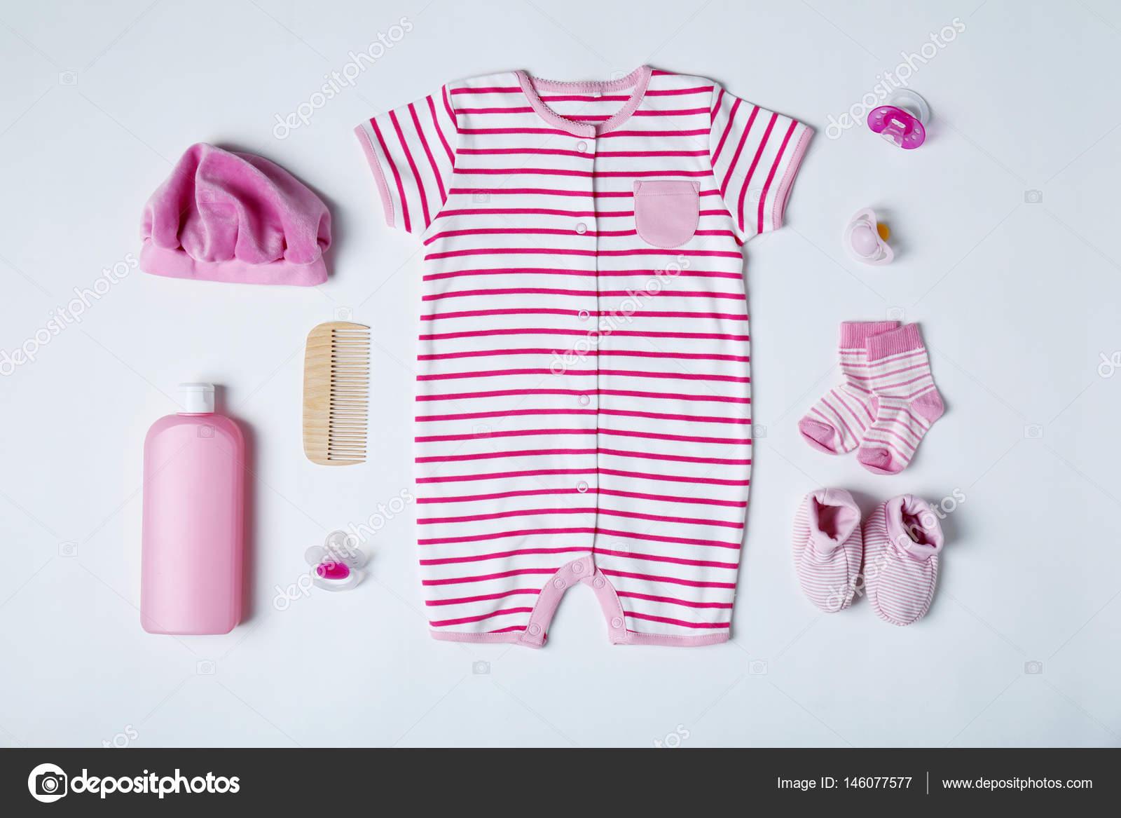 9a58edabd6d Παιδικά ρούχα και αξεσουάρ — Φωτογραφία Αρχείου © belchonock #146077577