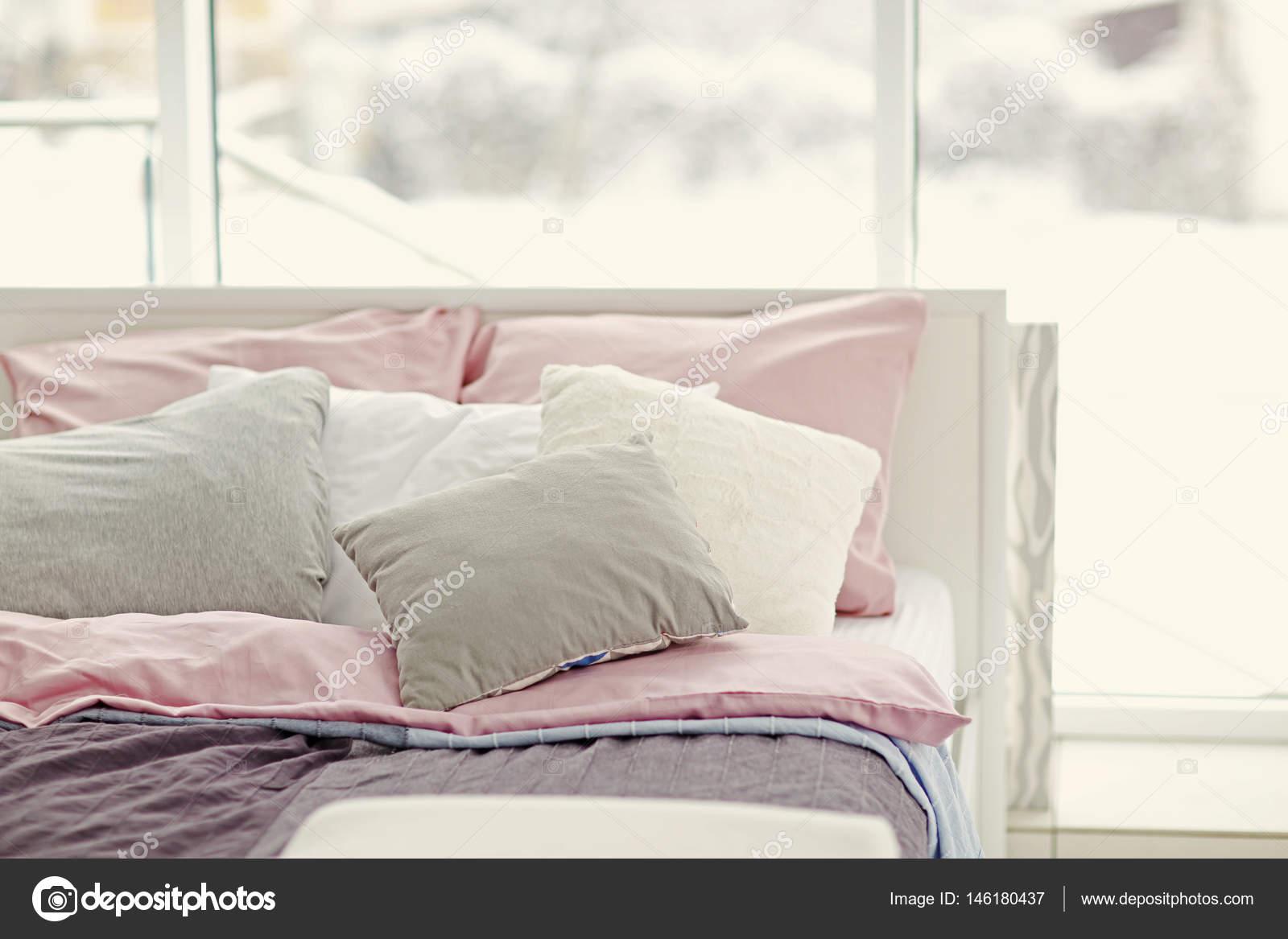 Lichte slaapkamer interieur — Stockfoto © belchonock #146180437