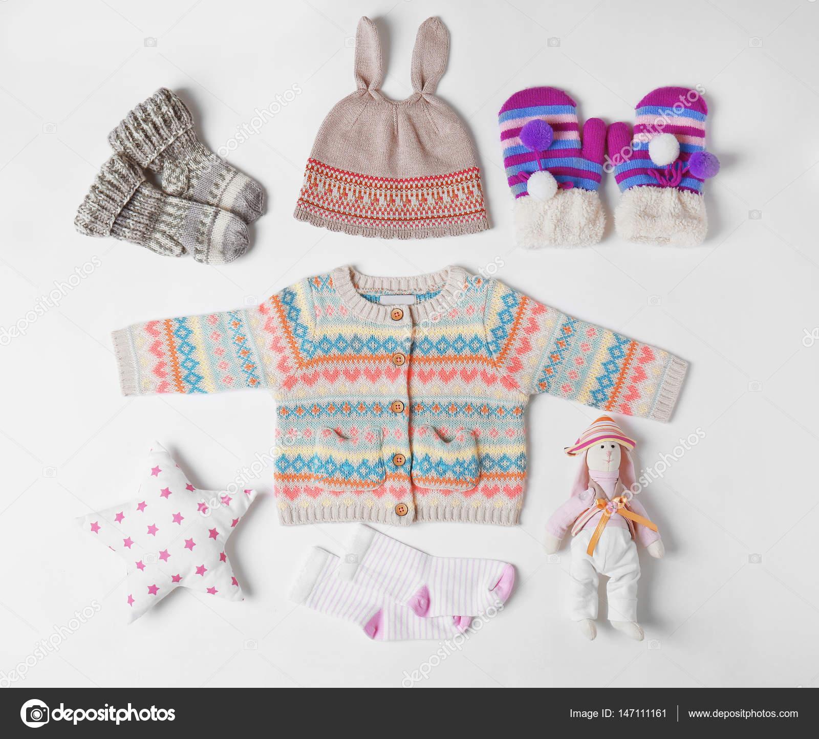 02d35ddc3302 Παιδικά ρούχα και αξεσουάρ — Φωτογραφία Αρχείου © belchonock #147111161