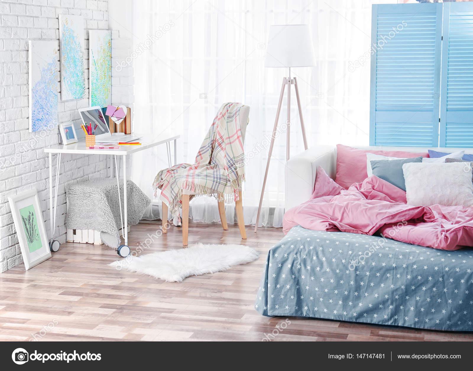 Teenager-Zimmer — Stockfoto © belchonock #147147481