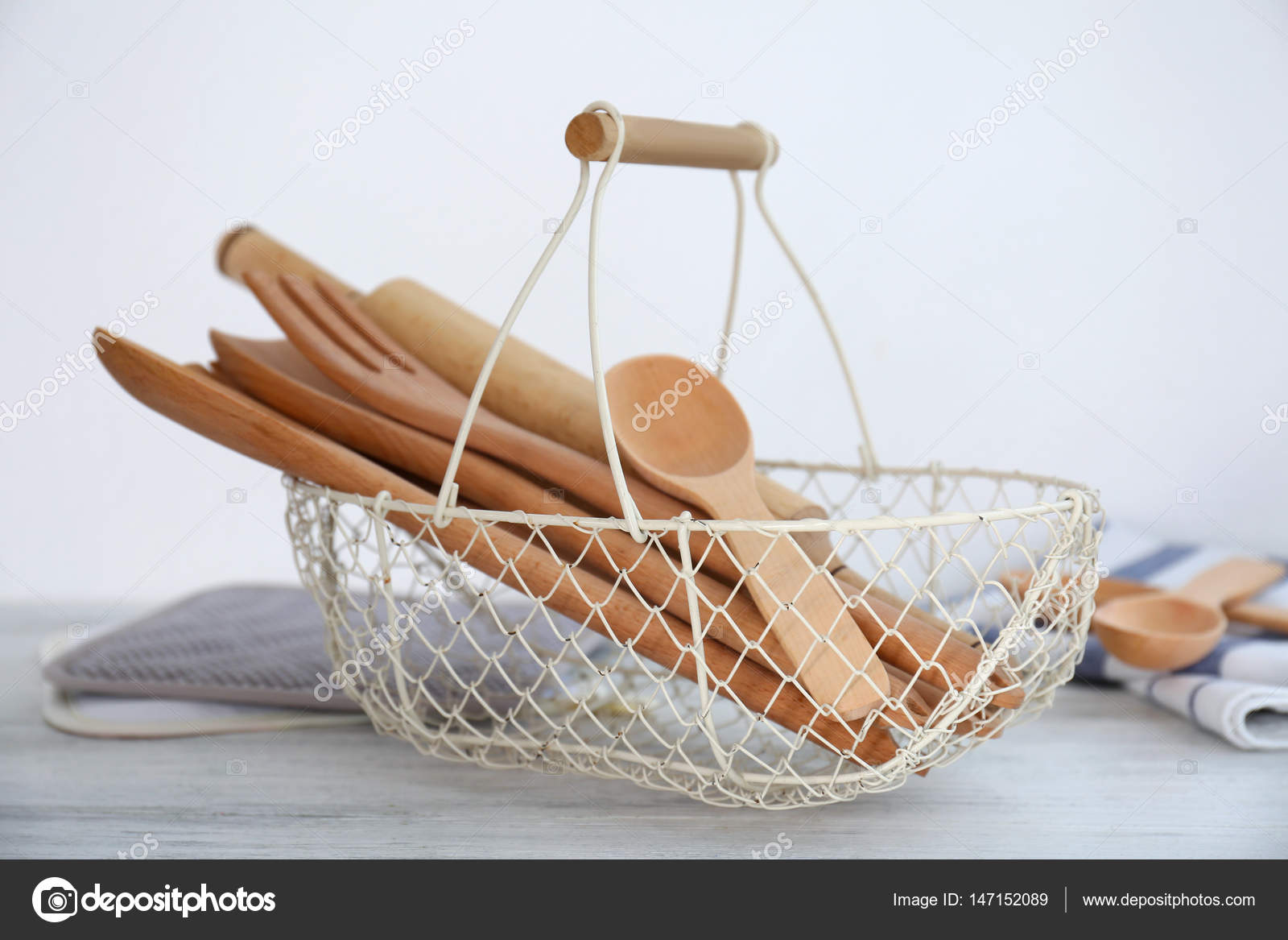 Set Of Kitchen Utensils Stock Photo Belchonock 147152089