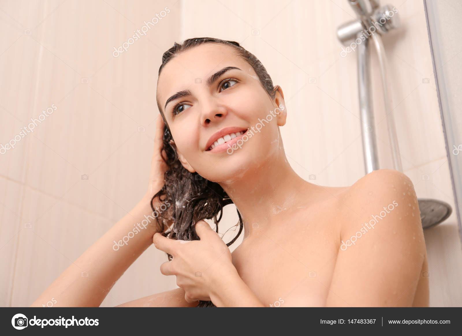 Γυμνό λεσβίες ντους