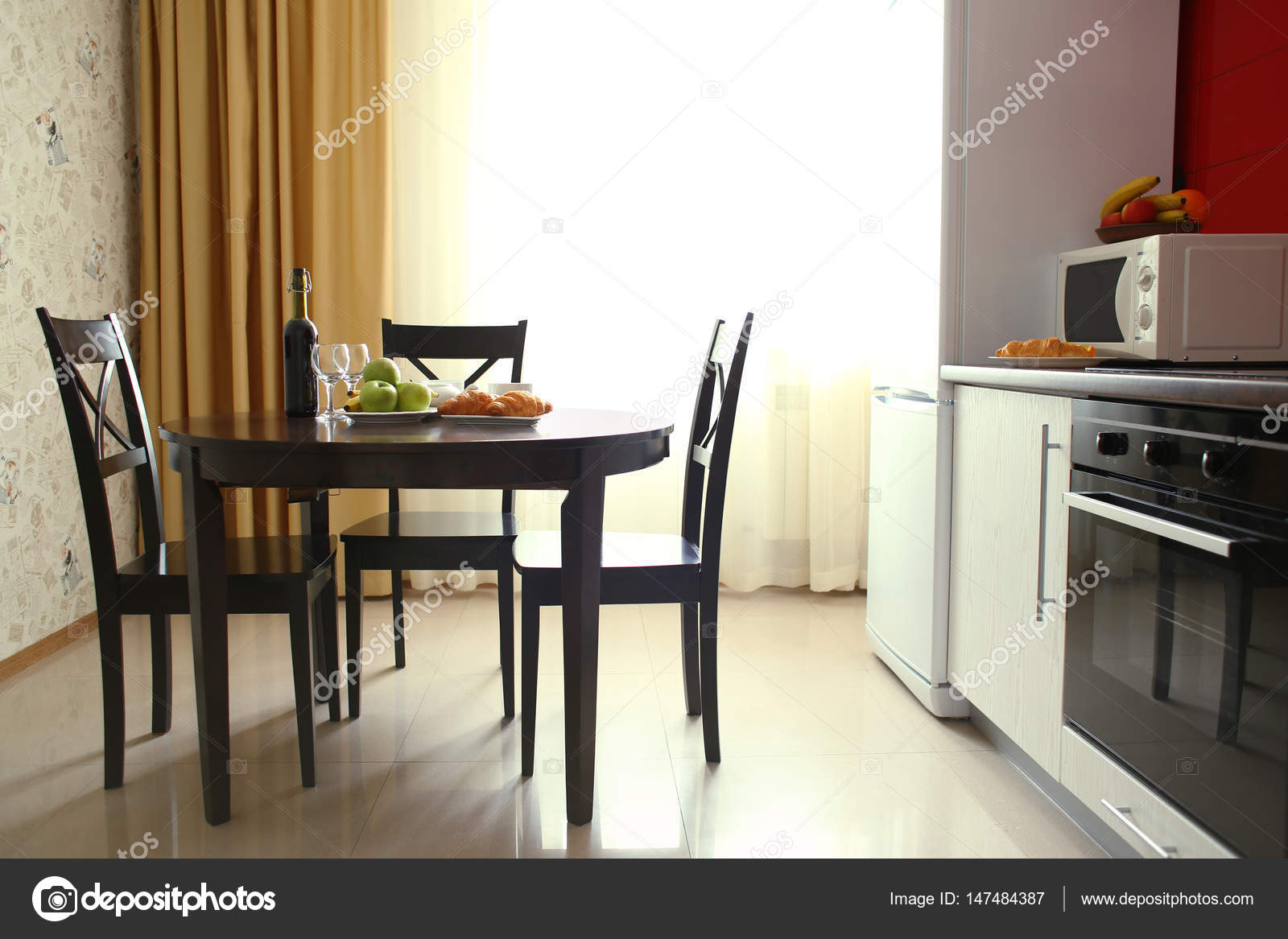 Interni Moderni Cucine : Interni moderni della cucina u2014 foto stock © belchonock #147484387