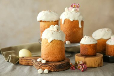 Composition with Easter cakes