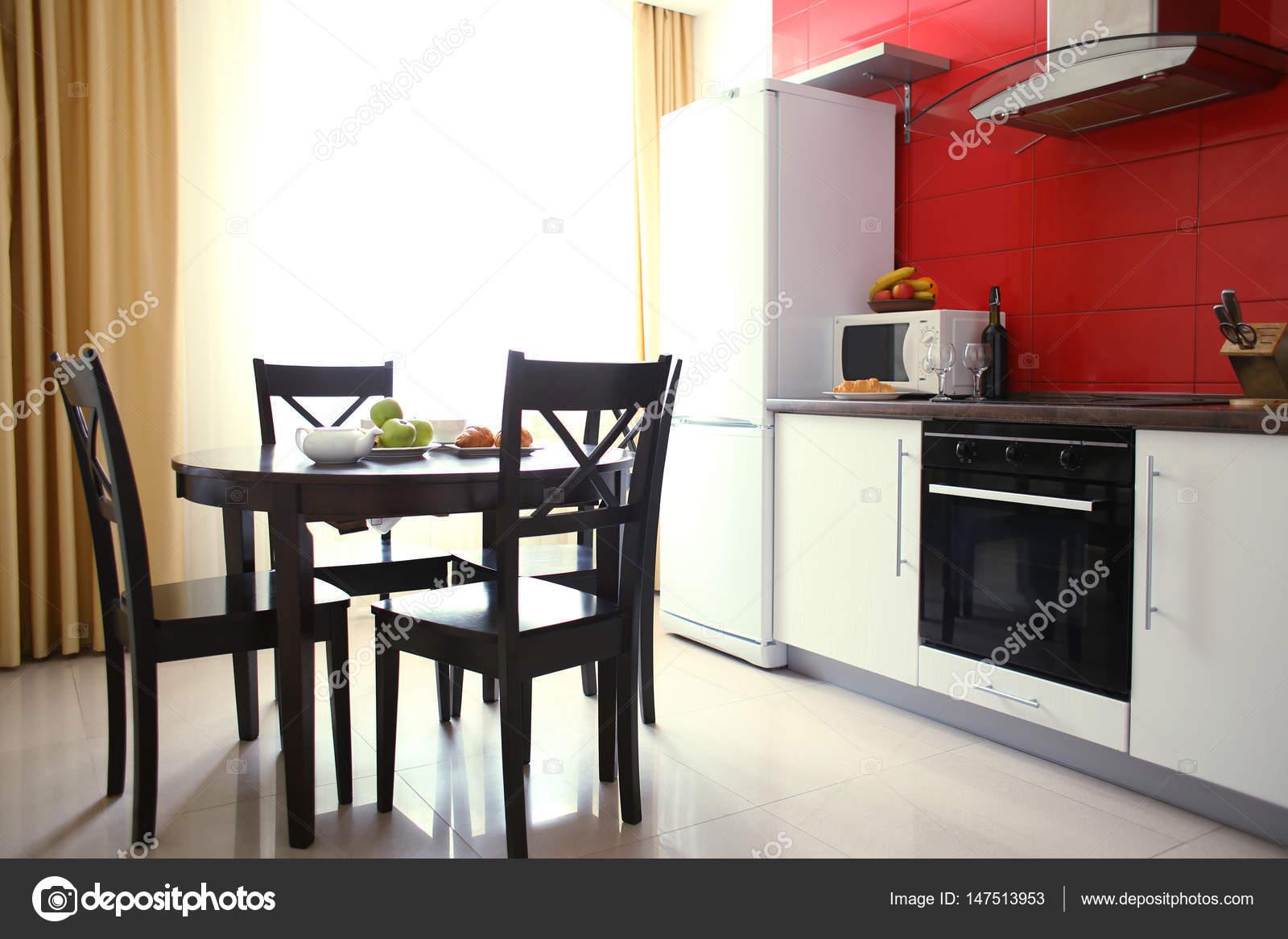 Interni Moderni Cucine : Interni moderni della cucina u2014 foto stock © belchonock #147513953