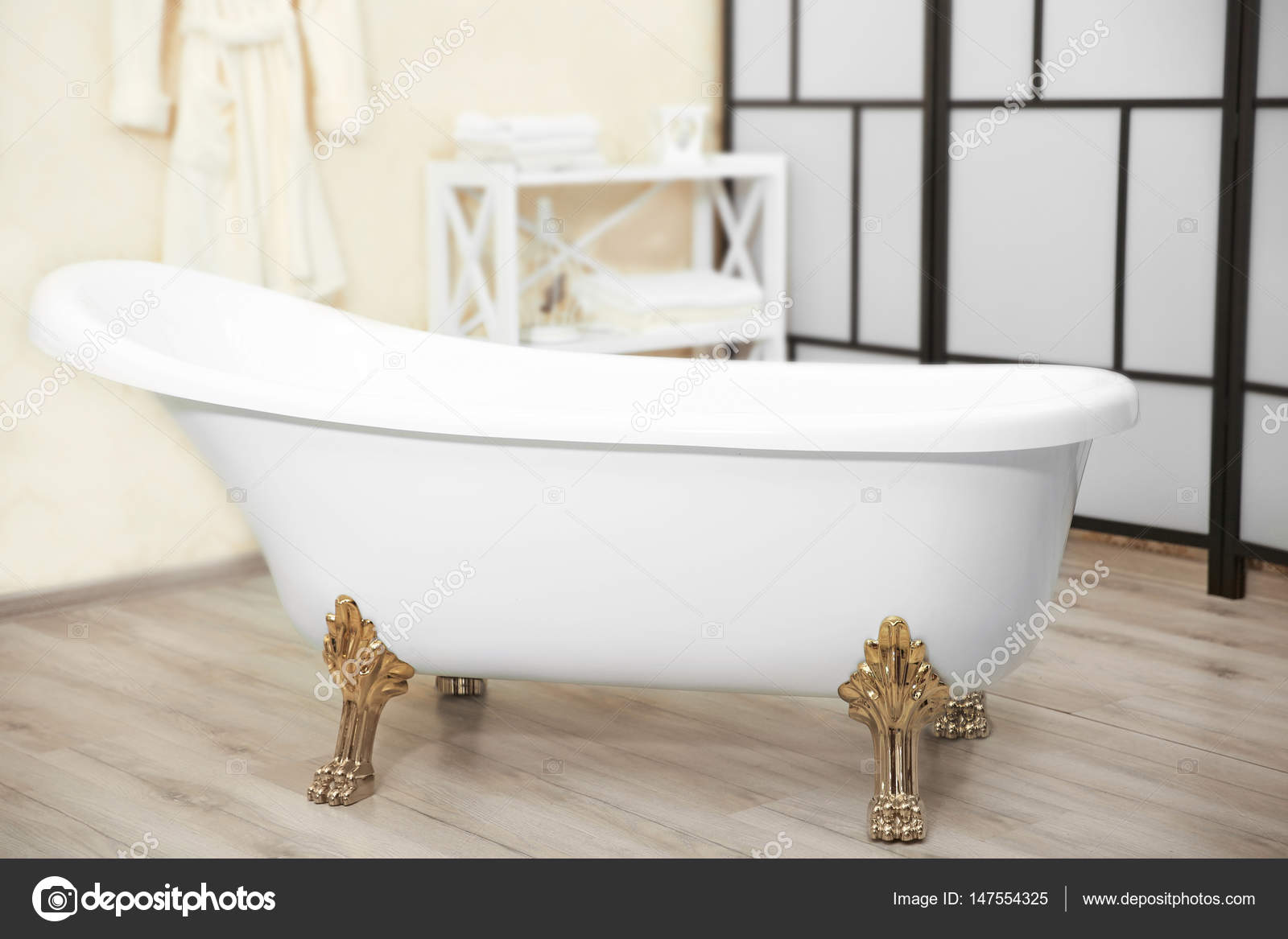 https://st3.depositphotos.com/1177973/14755/i/1600/depositphotos_147554325-stockafbeelding-interieur-van-mooie-badkamer.jpg