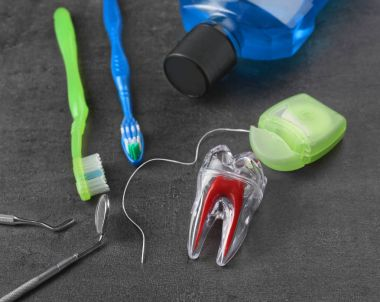 Dental instruments and set for teeth cleaning