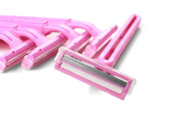 Set of pink razors