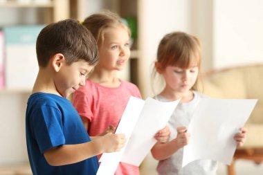 kids singing in class