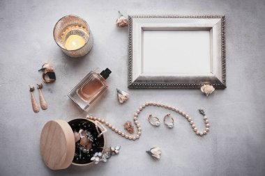 Jewelry accessories in box