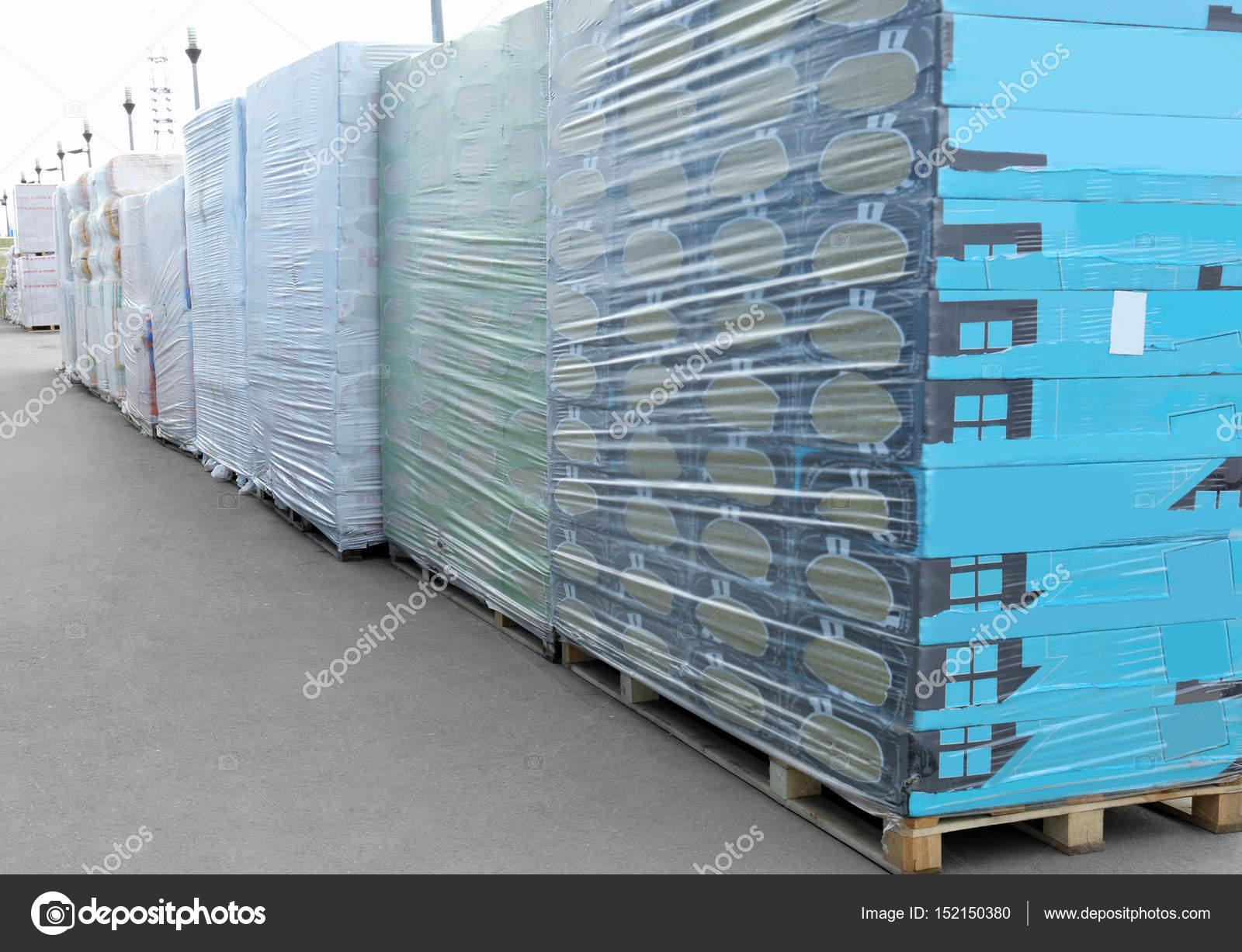 2b49c4b9a530 Πακέτα με εμπορευμάτων για χονδρική πώληση — Φωτογραφία Αρχείου ...