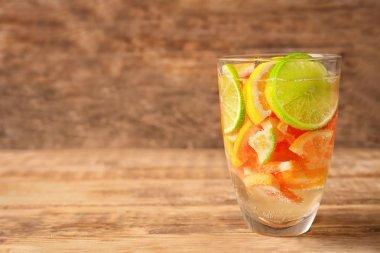refreshing citrus fruits cocktail o