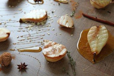 Tasty pears with honey sauce