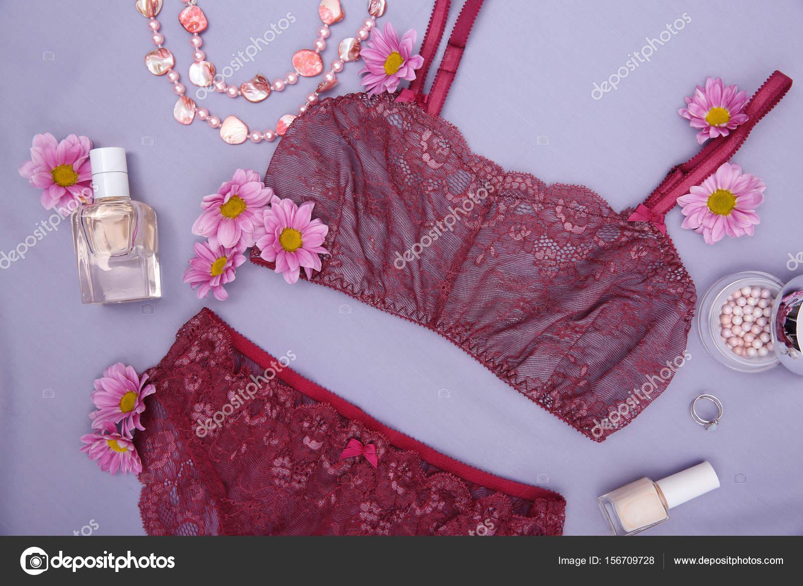 Composición con hermosa ropa interior femenina 6e6ce63135fd