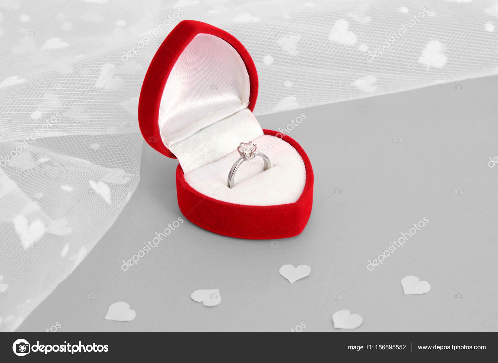 Anneau Pour Demande En Mariage Photographie Belchonock