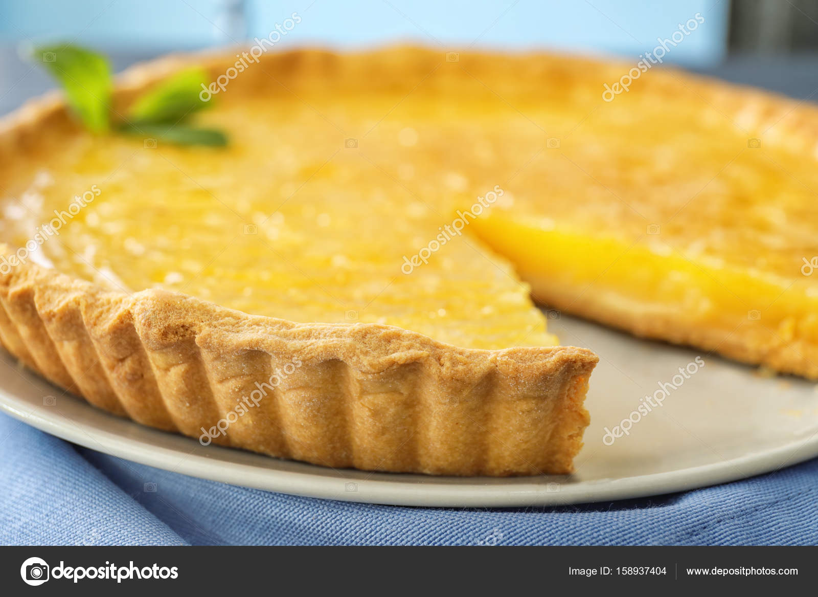 Zitronencreme Torte Stockfoto C Belchonock 158937404